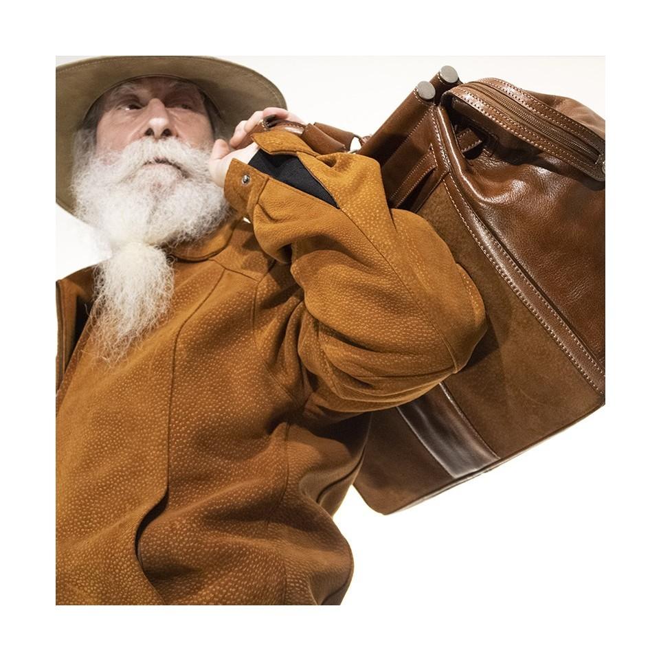 Capybara leather travel bag with buckle lanyard  El Boyero