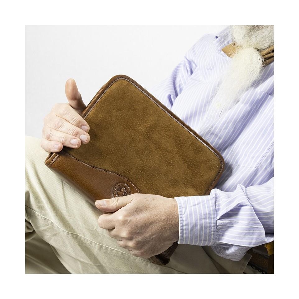 Capybara leather diary organizer folder |El Boyero