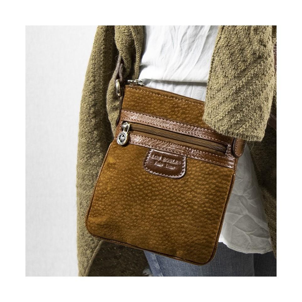 Small flat capybara crossbody purse |El Boyero
