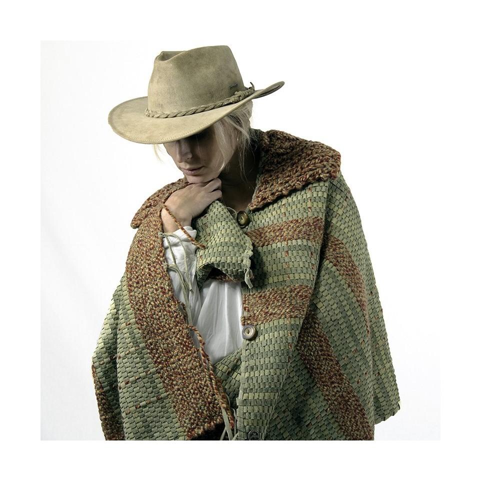 Leather and wool cape  El Boyero
