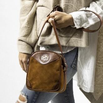 Capybara leather square crossbody purse |El Boyero