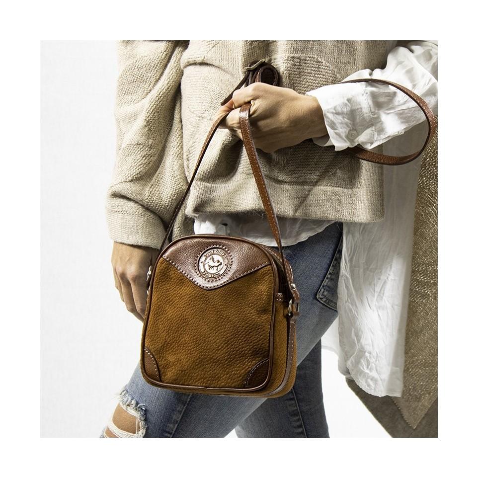 Capybara leather square crossbody purse  El Boyero