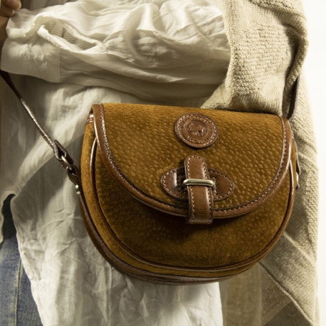 Capybara and cow leather purse with fastener