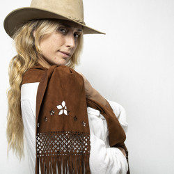 Suede scarf with openwork motif and fringes