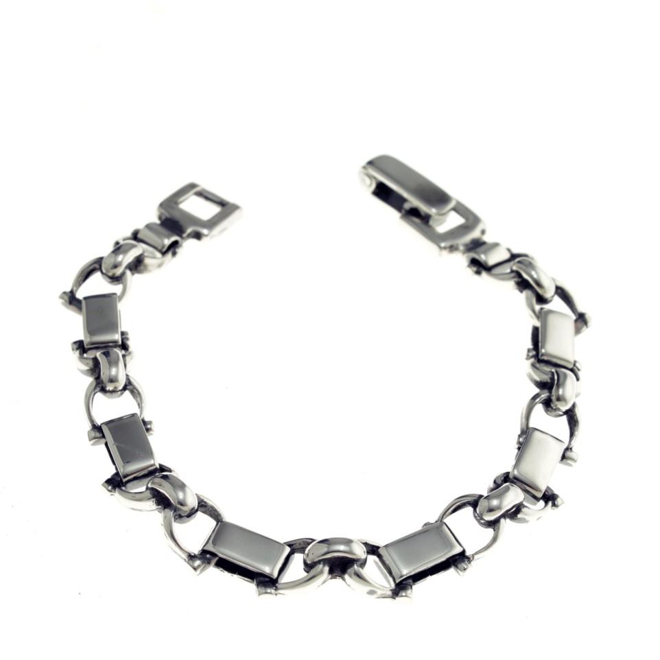 Link bracelet snaffles design