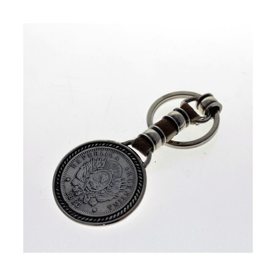 Patacon raw leather keychain
