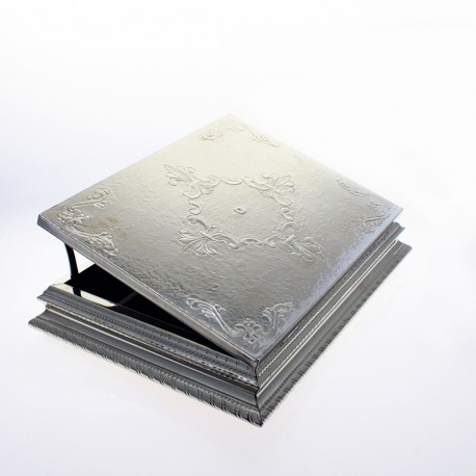 Hand chiselled nickel silver tea box x12  El Boyero