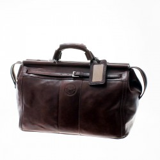 Cow soft leather travel bag with buckle lanyard  El Boyero