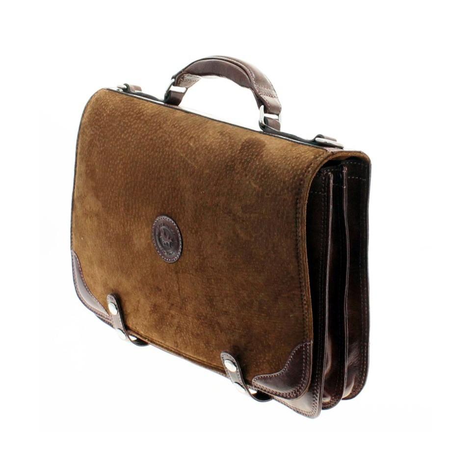 Capybara leather briefcase with clasps closure |El Boyero