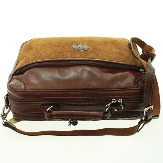 Capybara leather doubled-compartment laptop briefcase