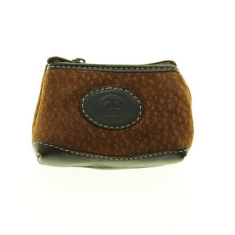 Capybara leather coin purse.