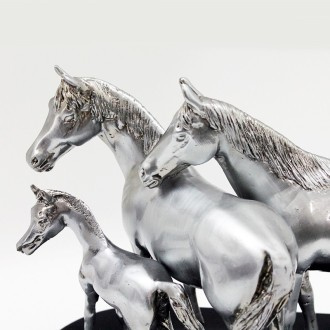 Horse family pewter plated statuette |El Boyero