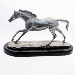 Horse of resine plated on wooden base |El Boyero