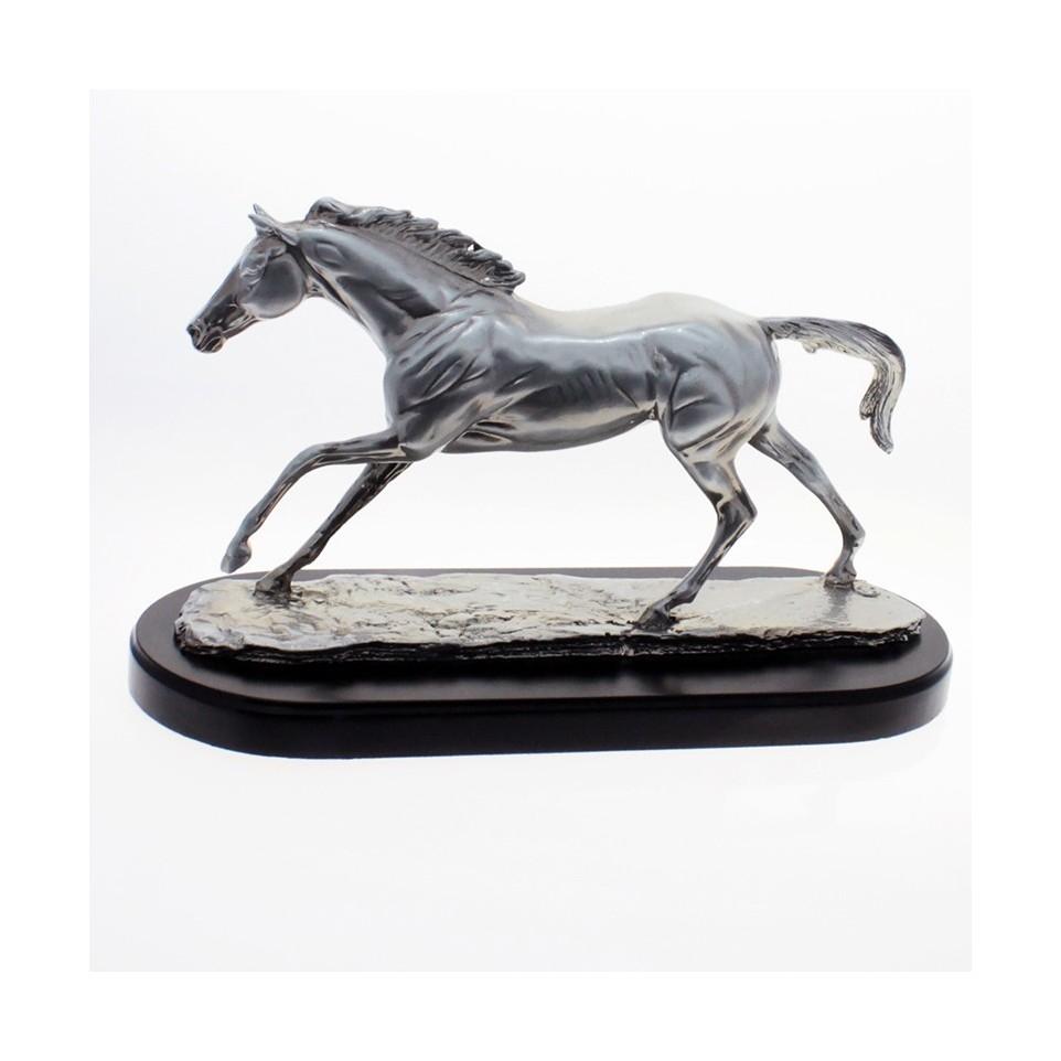 Horse of resine plated on wooden base |El Boyero
