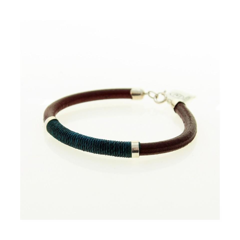 Leather and thread bracelet  El Boyero