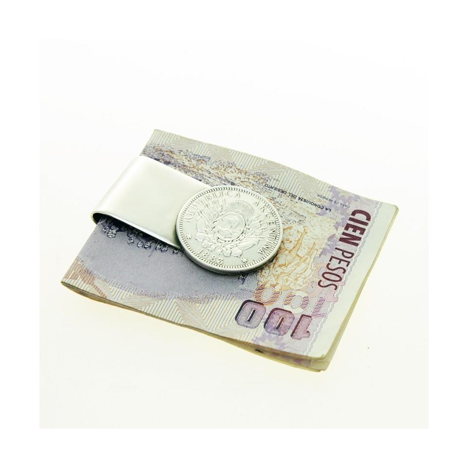 Small patacón moneyclip  El Boyero
