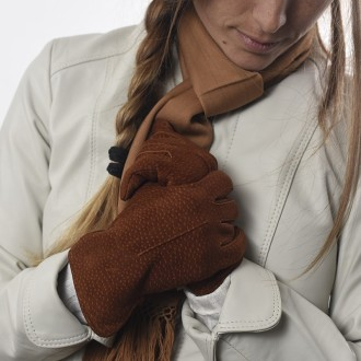 Capybara leather womens gloves