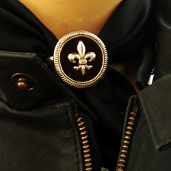 Round fleur de lis sterling silver scarfring