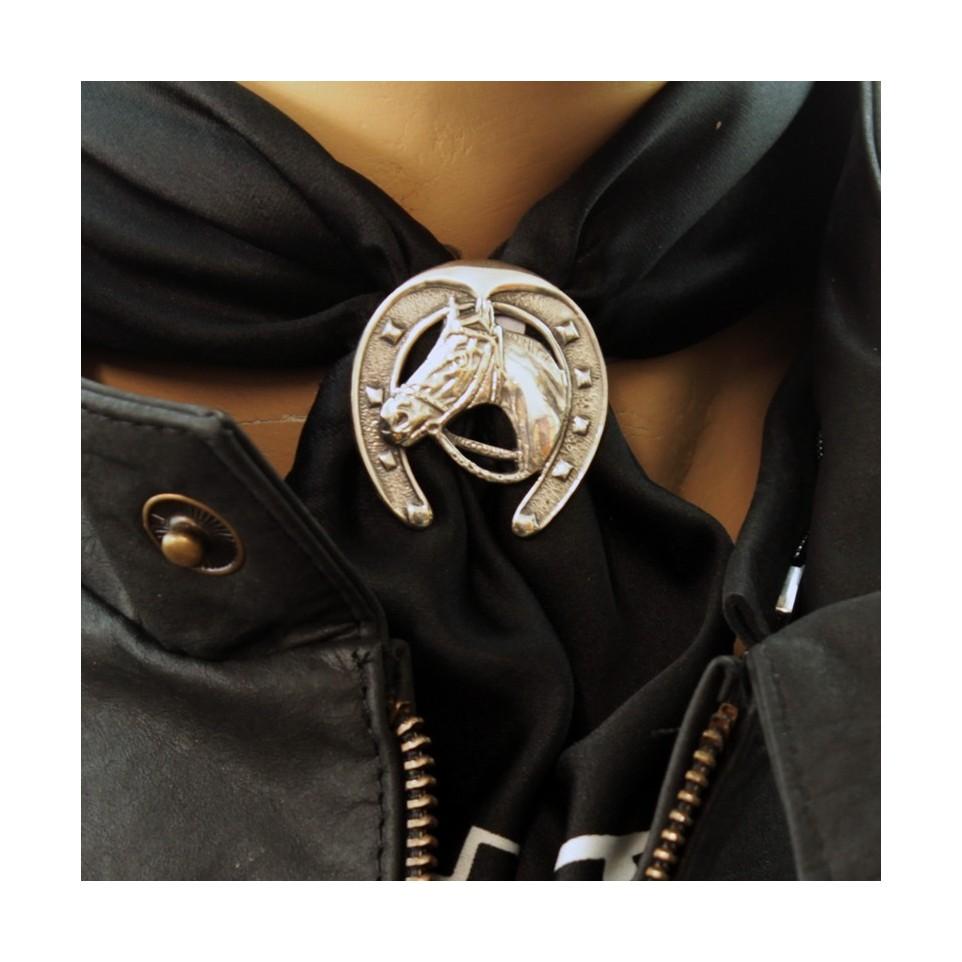 Pasapañuelos con diseño herradura  El Boyero
