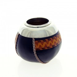 Mate of gourd covered with cow leather with nickel silver