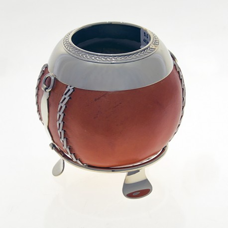 Mate of gourd covered with cow leather with alpaca