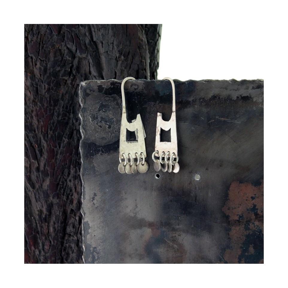 Aros de plata alargados chicos con colgante