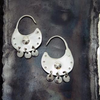 Aros de plata medianos redondos con colgantes