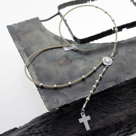 Short rosary bead in braided leather and silver