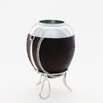 "Leather covered ""suncho"" mate"