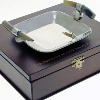 Bandeja de Alpaca con caja de madera grabada |El Boyero