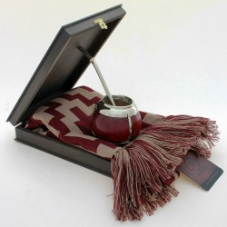 Scarf with pattern with mate and box |El Boyero