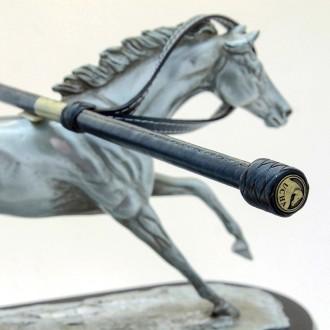 Fusta de cuero con boton de aluminio |El Boyero