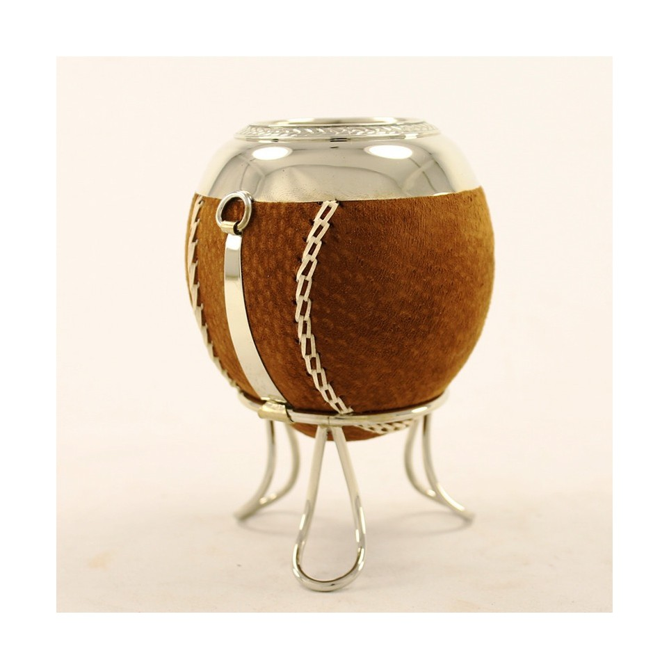 Mate of gourd covered with capybara leather |El Boyero