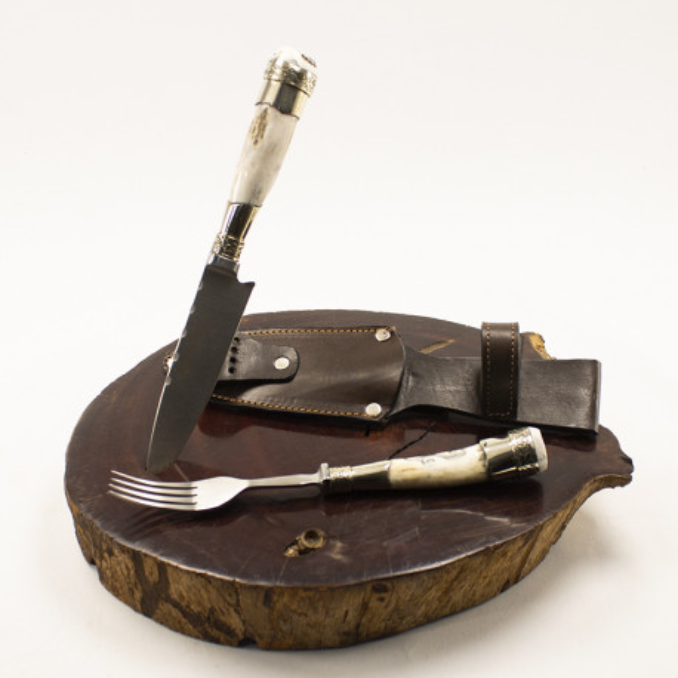 Cuchillo y tenedor con asas de ciervo |El Boyero